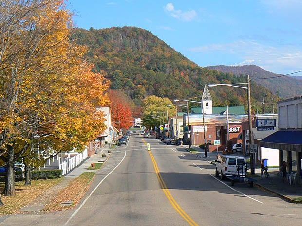 Early_Autumn_in_Damascus_Virginia