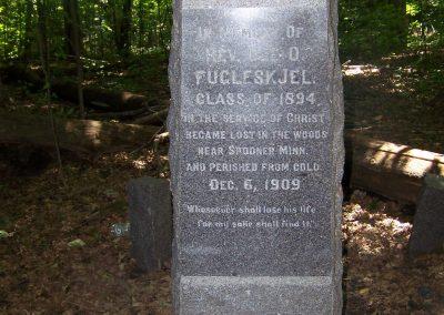 Close up Fugleskjel Monument