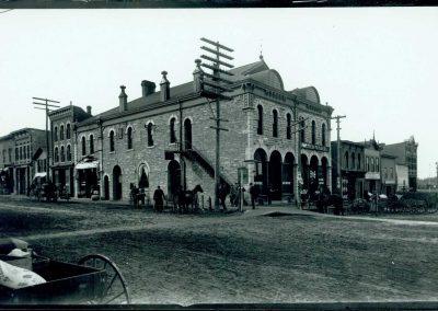 Scriver Building from Division Street, 1915.