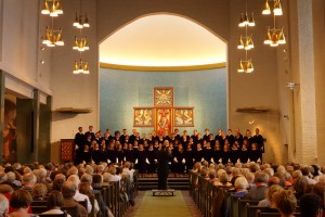 The St.Olaf Choir singing in a very full Molde Domkirke.