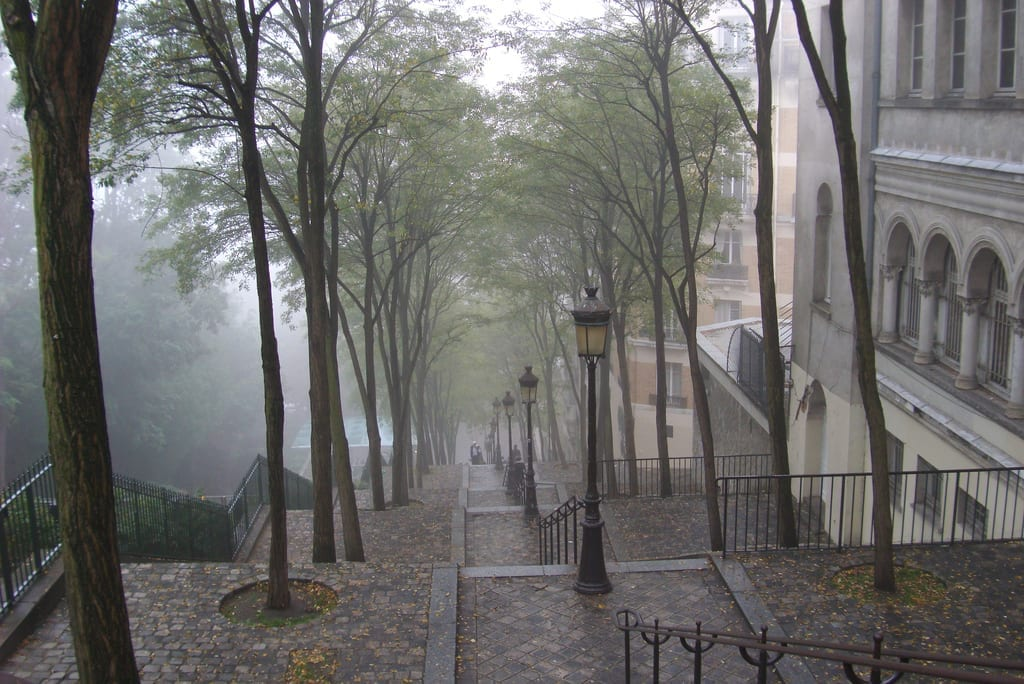 "Kertesz, Julle. ""Butte Montmartre dans le brume."" Flickr, October 2007. Accessed July 28, 2015."