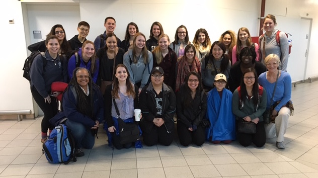 Group photo of South Africa Interim study abroad at their arrival in Cape Town Airport